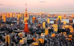 Iconisch uniek oriëntatiepunt de Tokyo toren van van Tokyo, in zonsondergang, Tokyo, Japan royalty-vrije stock foto