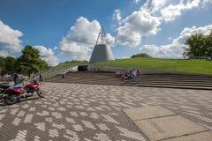 Iconische ingang van de universitaire bibliotheek, Delft, Nederland royalty-vrije stock foto's