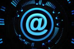 Icono azul de Internet en el espacio de la tecnología Foto de archivo