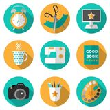 Icono creativo fijado con actividades populares ilustración del vector
