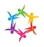 Icono de los niños del trabajo en equipo junto Imagen de archivo