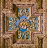 Icono de madera del lobo de Capitoline en la basílica del techo de Santa Maria en Ara Coeli, en Roma, Italia Fotos de archivo libres de regalías