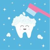 Icono del diente Cepillo de dientes con espuma de la burbuja de la crema dental Aplique sus dientes con brocha Carácter sonriente ilustración del vector