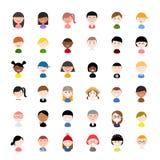 Icono del perfil del avatar del vector fijado: iconos planos de la gente con diversas nacionalidades, ropa y estilos de pelo stock de ilustración