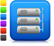 Icono del servidor del ordenador en el botón cuadrado del Internet ilustración del vector