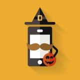 Icono del teléfono móvil del inconformista con el bigote, el sombrero de Halloween y el pumpk ilustración del vector