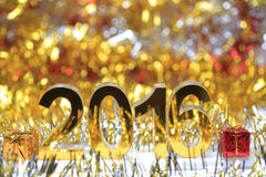 Icono digital de oro 2016 3d con la caja de regalo Foto de archivo