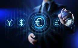 Icono euro en la pantalla Concepto del negocio de las divisas del tipo de cambio del comercio de divisas fotos de archivo libres de regalías