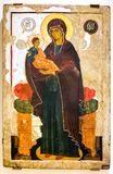 Icono ortodoxo ruso antiguo de la Virgen con el niño Fotos de archivo libres de regalías