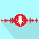 Icono rojo del micrófono con diseño plano de la onda acústica Foto de archivo