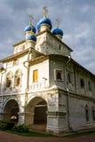 Icono uno la pared de la iglesia de Kazán en Kolomenskoye, Rusia imagenes de archivo