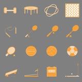 Iconos anaranjados del color del deporte de la aptitud en backgroun gris Foto de archivo