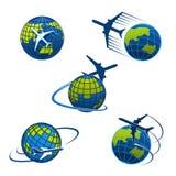 Iconos avión del vector de la agencia de viajes y globo del mundo stock de ilustración