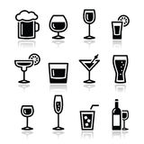 Iconos de la bebida del alcohol de la bebida fijados Foto de archivo libre de regalías