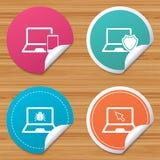 Iconos de la PC del ordenador portátil del cuaderno Virus o insecto de software Imagenes de archivo