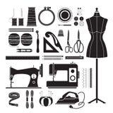 Iconos de los equipos de costura fijados, monocromático Fotos de archivo libres de regalías