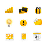 Iconos de oro de los media stock de ilustración