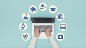 Iconos del aprendizaje electrónico y de la educación imagen de archivo