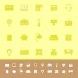 Iconos del color del dormitorio en fondo amarillo Imágenes de archivo libres de regalías