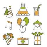 Iconos del día de fiesta, feliz cumpleaños, sistema Torta, globos, flores, regalo, y otros elementos festivos del diseño Foto de archivo libre de regalías