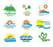 Iconos del turismo y de las vacaciones y diseño de la insignia Fotos de archivo