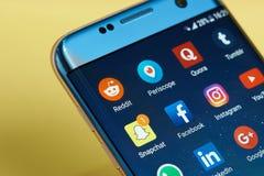 Iconos del uso en smartphone Fotografía de archivo
