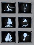 Iconos del vector del complejo playero fijados en negro imagen de archivo libre de regalías