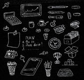 Iconos dibujados mano del negocio fijados en pizarra Foto de archivo