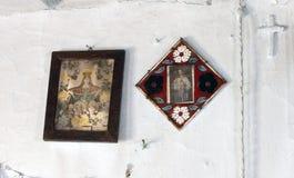 Iconos en el templo viejo Imagen de archivo libre de regalías