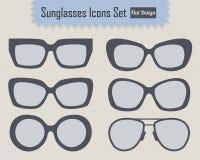 Iconos modernos y elegantes de las gafas de sol fijados Imágenes de archivo libres de regalías