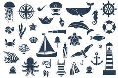 Iconos planos con las criaturas y los símbolos del mar Imagen de archivo libre de regalías