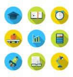 Iconos planos de elementos y de objetos para la High School secundaria y la universidad e Fotos de archivo