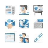 Iconos planos de la cooperación del establecimiento de una red del negocio fijados ilustración del vector