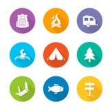 Iconos planos del diseño que acampan fijados Fotografía de archivo libre de regalías