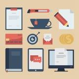 Iconos planos modernos colección, objetos del diseño web, negocio, finanzas, oficina y artículos del márketing Foto de archivo
