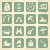 Iconos que acampan retros fijados Iconos del vector Imagen de archivo libre de regalías