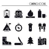 Iconos que caminan y que acampan fijados Muestra y símbolo al aire libre del campo Hacer excursionismo aventura Imagen de archivo
