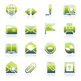 Iconos verdes del correo electrónico Fotos de archivo libres de regalías