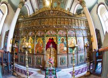 Iconostasi nella chiesa di San Nicola in Zheravna, Bulgaria Fotografie Stock Libere da Diritti