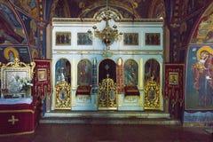 Iconostasisen i kyrkan i kloster Rezevici, Montenegro Arkivfoto