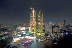 Free IconSiam River Side Department Store Presenting The Light Show Royalty Free Stock Photography - 132331067