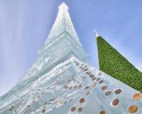 Icy Eiffel står hög Royaltyfri Fotografi