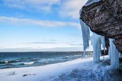 Icy klippor arkivfoto