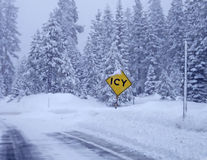 icy väg Arkivfoton