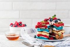 Idée de petit déjeuner de Jour de la Déclaration d'Indépendance avec des crêpes Images libres de droits
