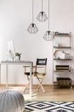 Idée simple de siège social de style Images stock