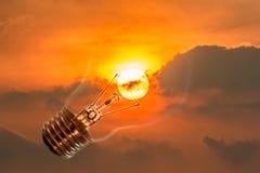 Idéer solen, en ljus kula. Royaltyfria Bilder