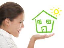 Idéia de beeing um conceito feliz do proprietário de casa fotos de stock royalty free