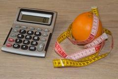 Idén av sunt bantar, förlorande vikt för diet-frukosten med hjälpen av en frukt bantar Royaltyfri Fotografi
