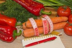 Idén av sunt bantar, förlorande vikt för diet-frukosten med hjälpen av grönsaker bantar Magert banta arkivfoton